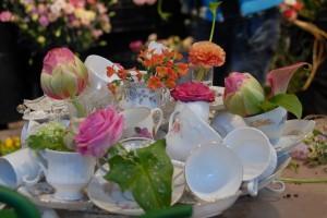 en consultation Fleurs de Bach, on offre le thé....